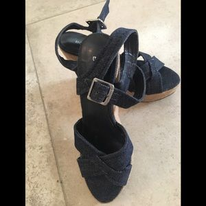 BCBG GENERATION DENIM PLATFORMS, SZ 6.